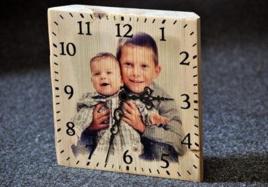 foto na drevo - hodiny